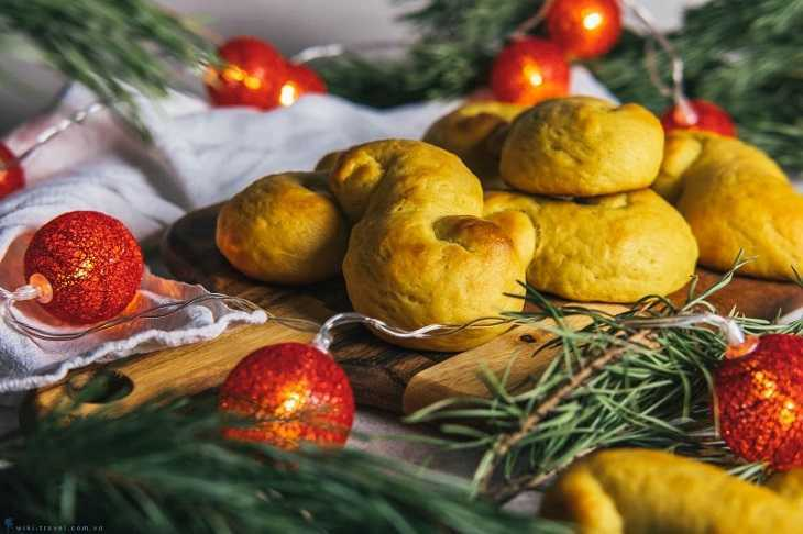 Saffron Buns có vị ngọt và vàng từ nghệ tây