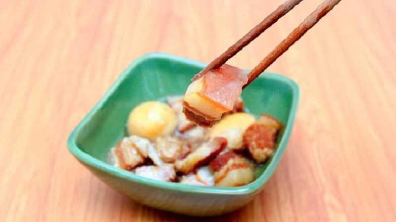Thịt kho trứng vịt (thịt kho tàu)