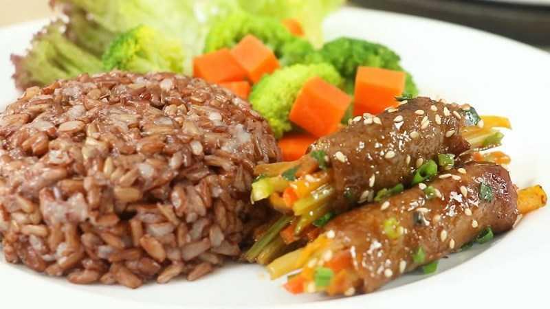 Bò cuộn rau
