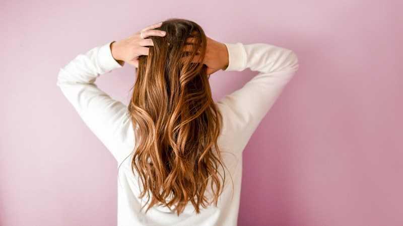 Vitamin B12 giúp giữ cho tóc, da và móng tay khỏe mạnh