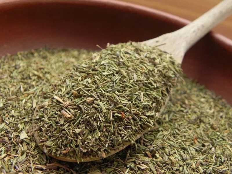 lá cỏ xạ hương khô