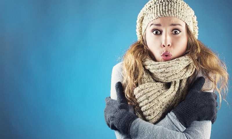 Uống nước nóng giúp giảm run khi lạnh