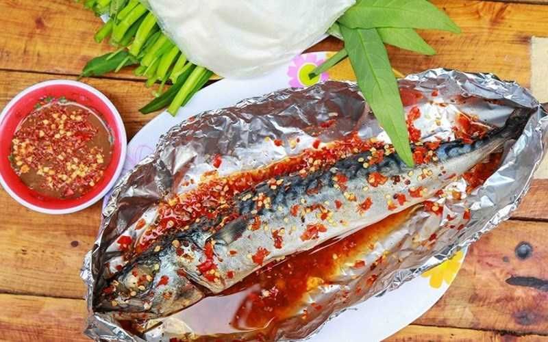 Cá chuồn nướng muối ớt