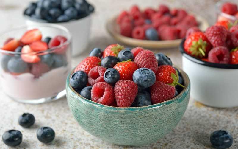 trái cây và quả mọng