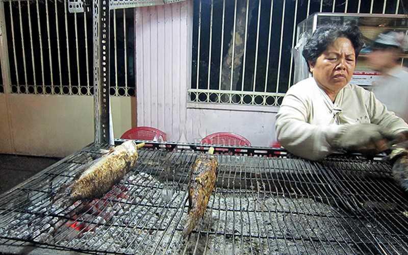 Cá lóc nướng Bà Năm