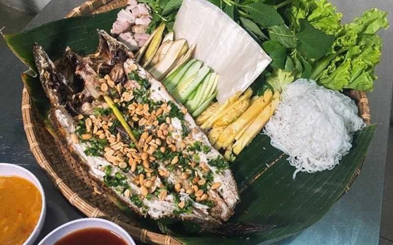 Cá lóc nướng trui Nam �ảo