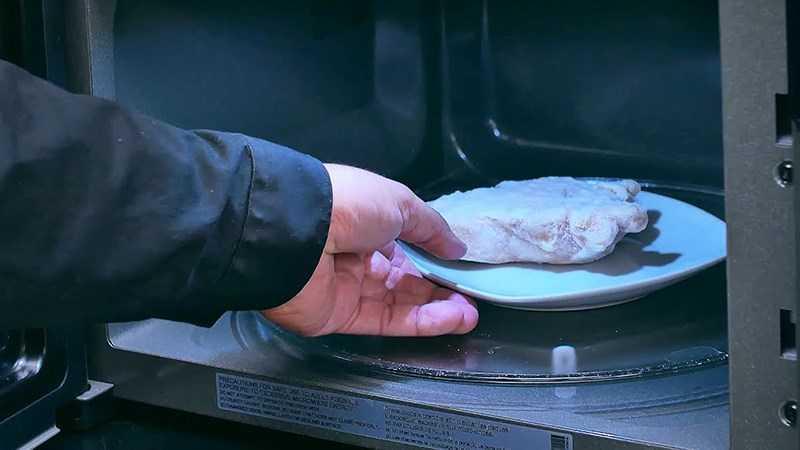 Lò vi sóng cho thức ăn cần nấu ngay