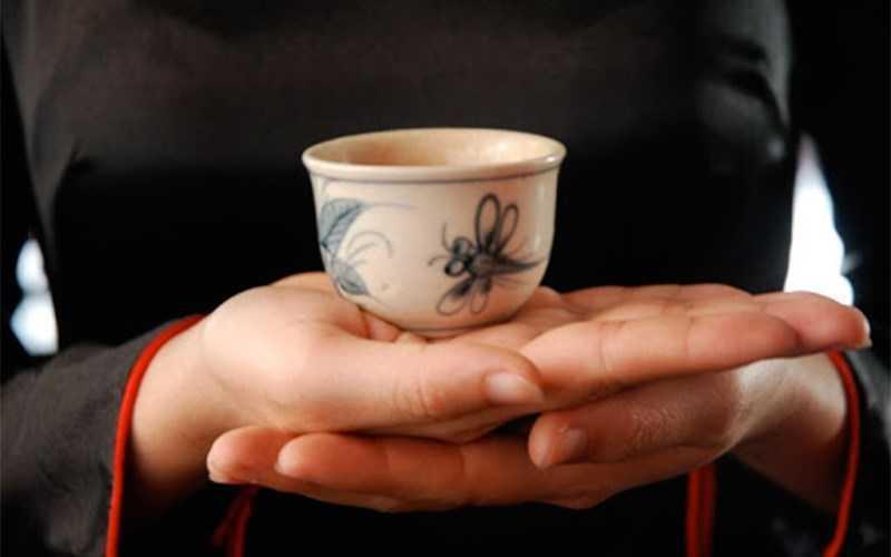 M�i trà và thưởng thức trà