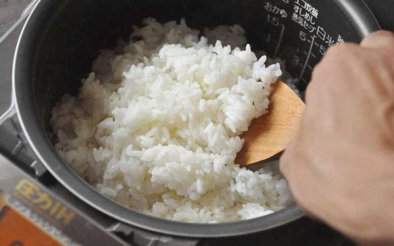 Bảo quản cơm nguội khi còn trong nồi cơm điện