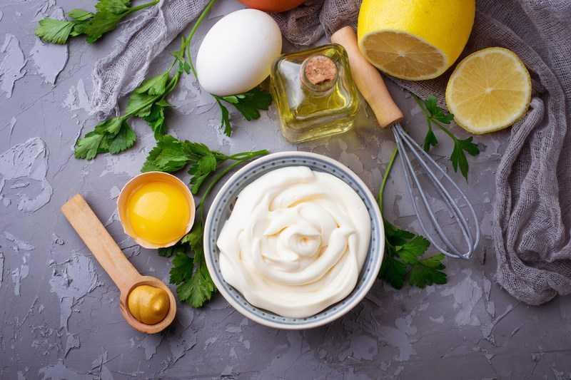 Sốt trứng gà làm tại nhà
