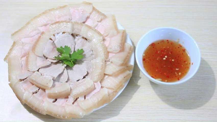 Thịt ba chỉ luộc