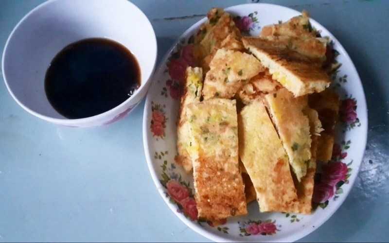 Bánh trứng cá nướng