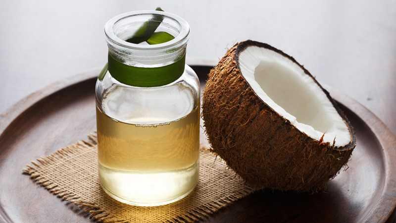 Dầu dừa có tác dụng gì đối với lông mi?