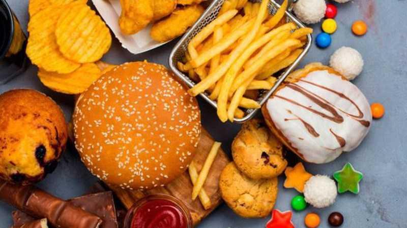 Người bị ho nên kiêng thực phẩm chế biến sẵn