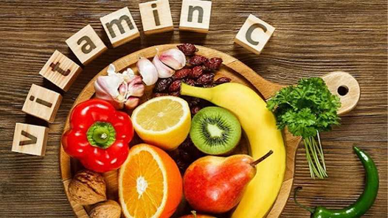 Người bị ho nên ăn thức ăn có nhiều vitamin C
