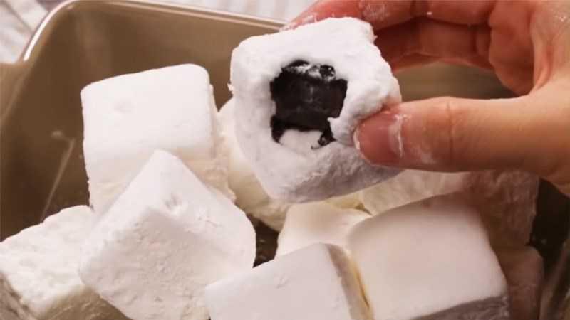 Cách làm kẹo dẻo sô cô la và matcha