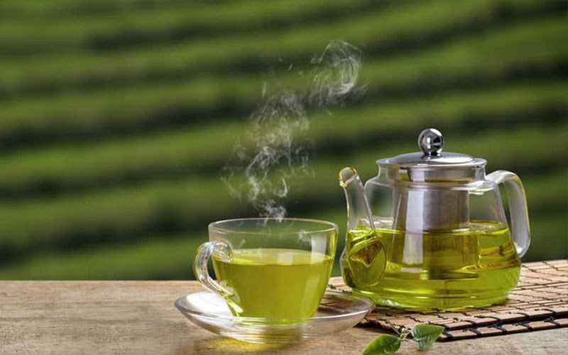 Uống thuốc với nước trà