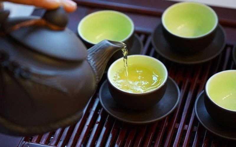 Uống trà vào buổi tối