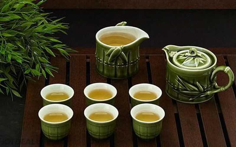 Uống trà sau bữa ăn