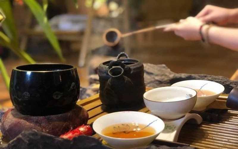 Uống trà khi bạn đói