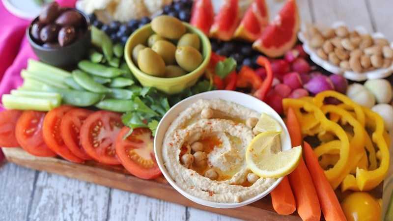 Hummus nhúng rau
