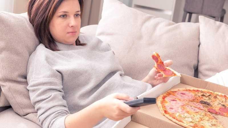 Ngừng vừa ăn vừa xem TV
