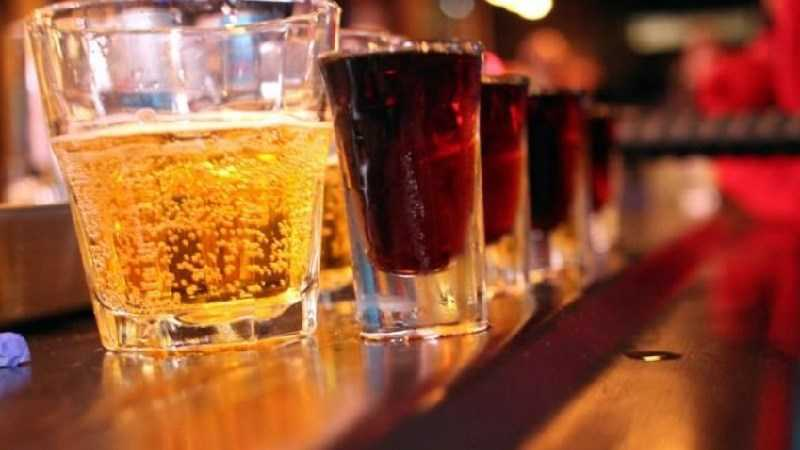 Không uống rượu với nước ngọt