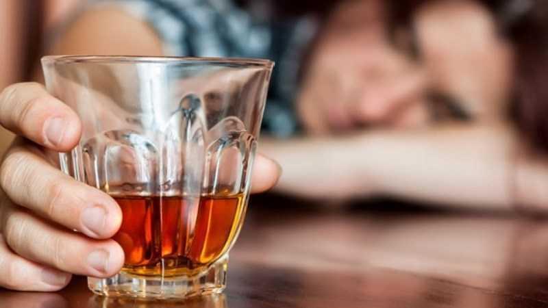 Không uống trà sau khi uống rượu