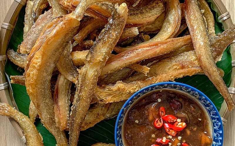 Cá khô và khoai tây