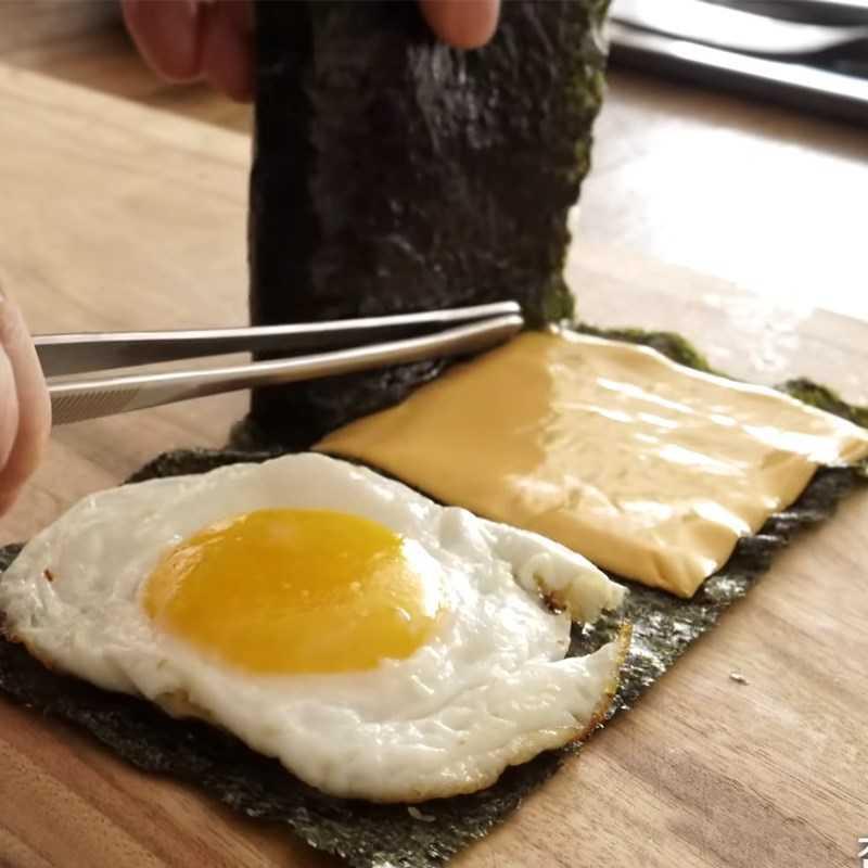 Bước 3 Sắp xếp các nguyên liệu làm Kimbap