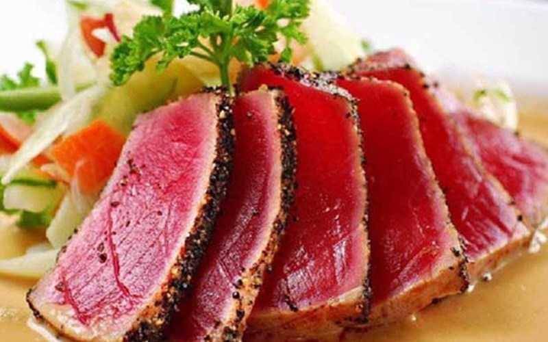 Cá ngừ áp chảo