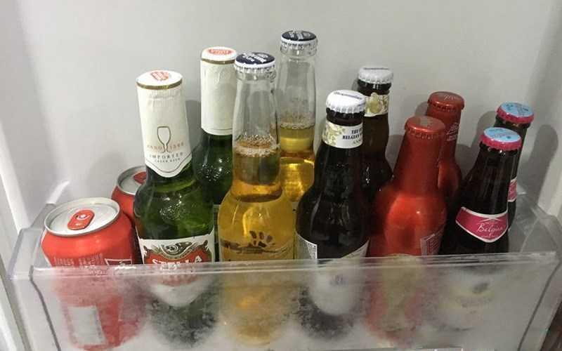 Không để rượu trong ngăn bảo quản rau quả