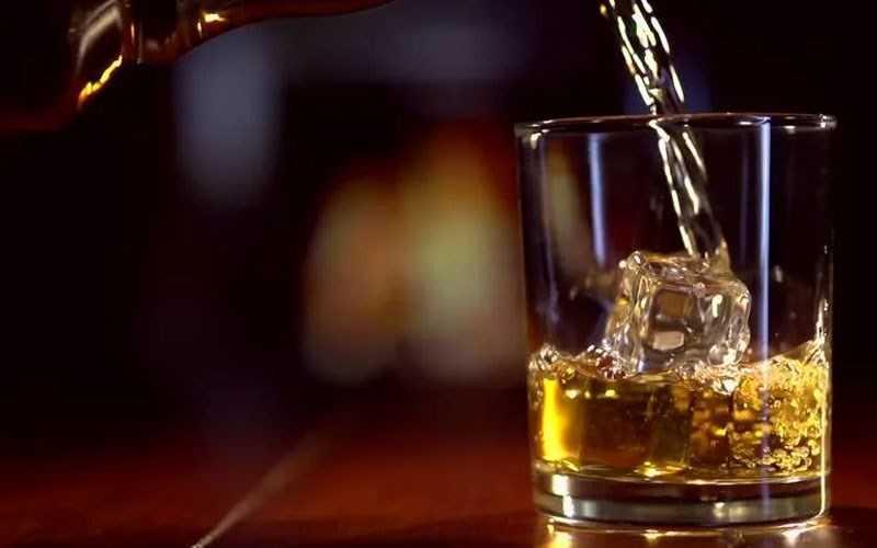 Uống với đá