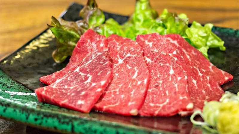 Basashi sashimi (thịt ngựa)