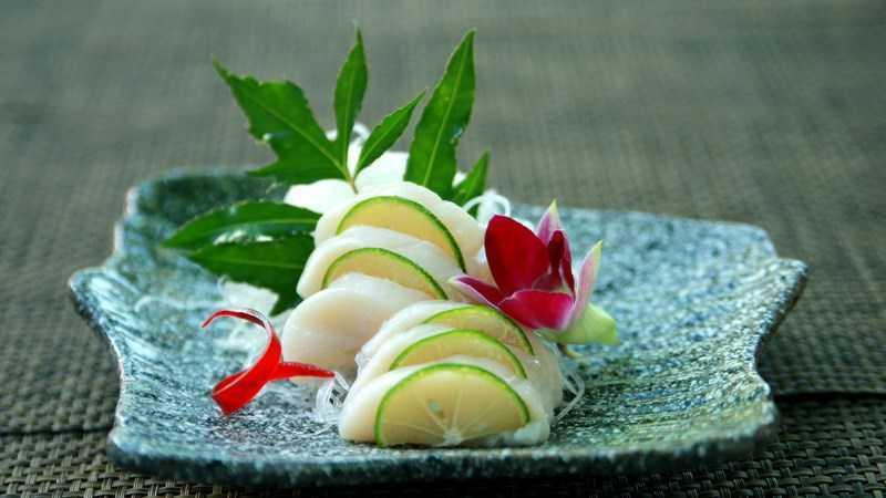 Sashimi nóng (sò điệp)