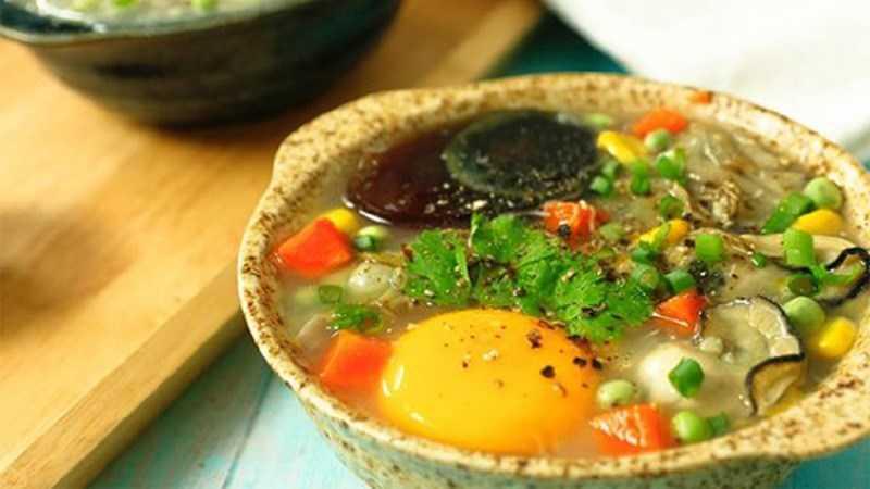 Súp hàu với trứng và rau thơm