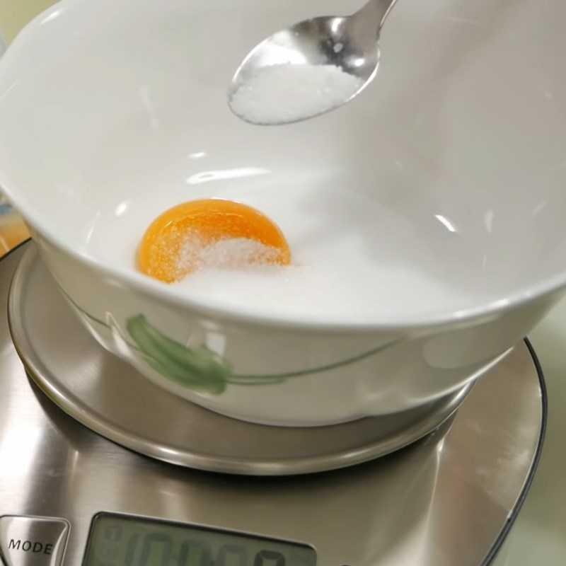 Bước 2 Ướp hỗn hợp gia vị Sốt dầu trứng