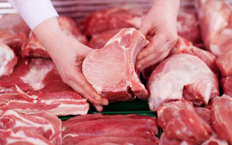 Dùng tay ấn vào thịt để kiểm tra độ đàn hồi