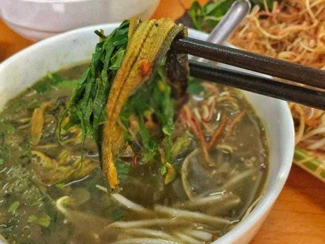 Về Ninh Bình, thưởng thức tô bún lươn ngon nổi tiếng, bí quyết đến từ cách nấu nước dùng